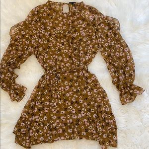 Women's long sleeve ruffle dress